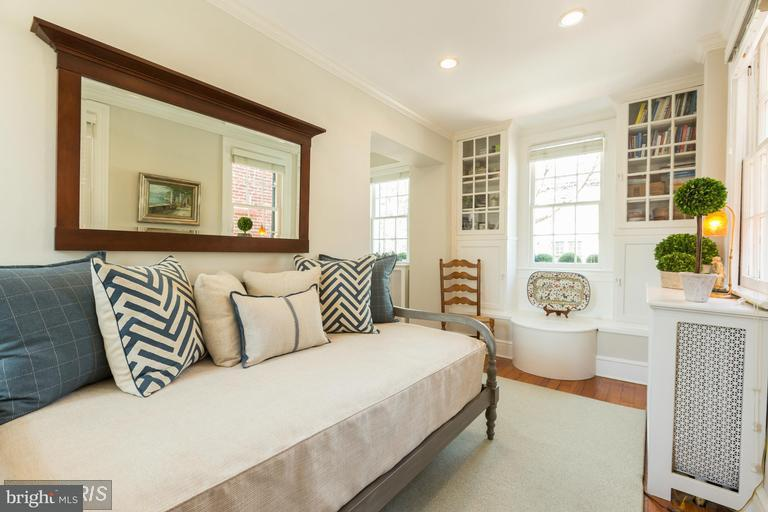 Additional photo for property listing at 3232 Volta Pl NW  Washington, District Of Columbia 20007 United States