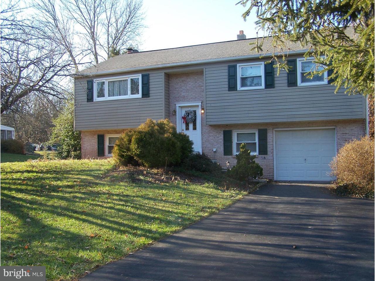 Частный односемейный дом для того Продажа на 1347 MOYER Road Red Hill, Пенсильвания 18076 Соединенные Штаты