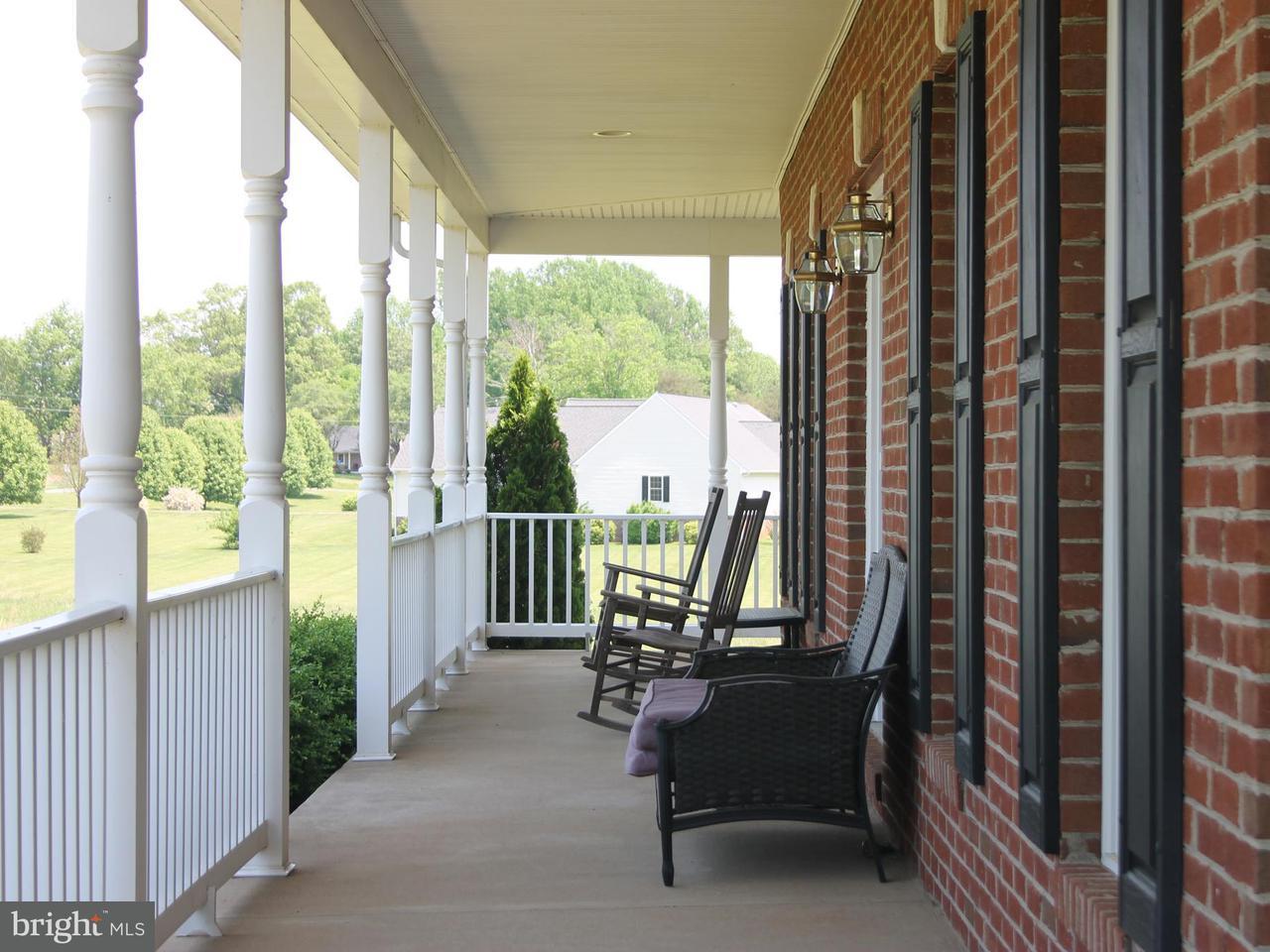 Casa Unifamiliar por un Venta en 16548 Bradford Road 16548 Bradford Road Culpeper, Virginia 22701 Estados Unidos