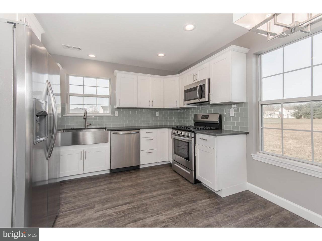 联栋屋 为 销售 在 441 LONGFELLOW Drive Williamstown, 新泽西州 08094 美国在/周边: Monroe Township