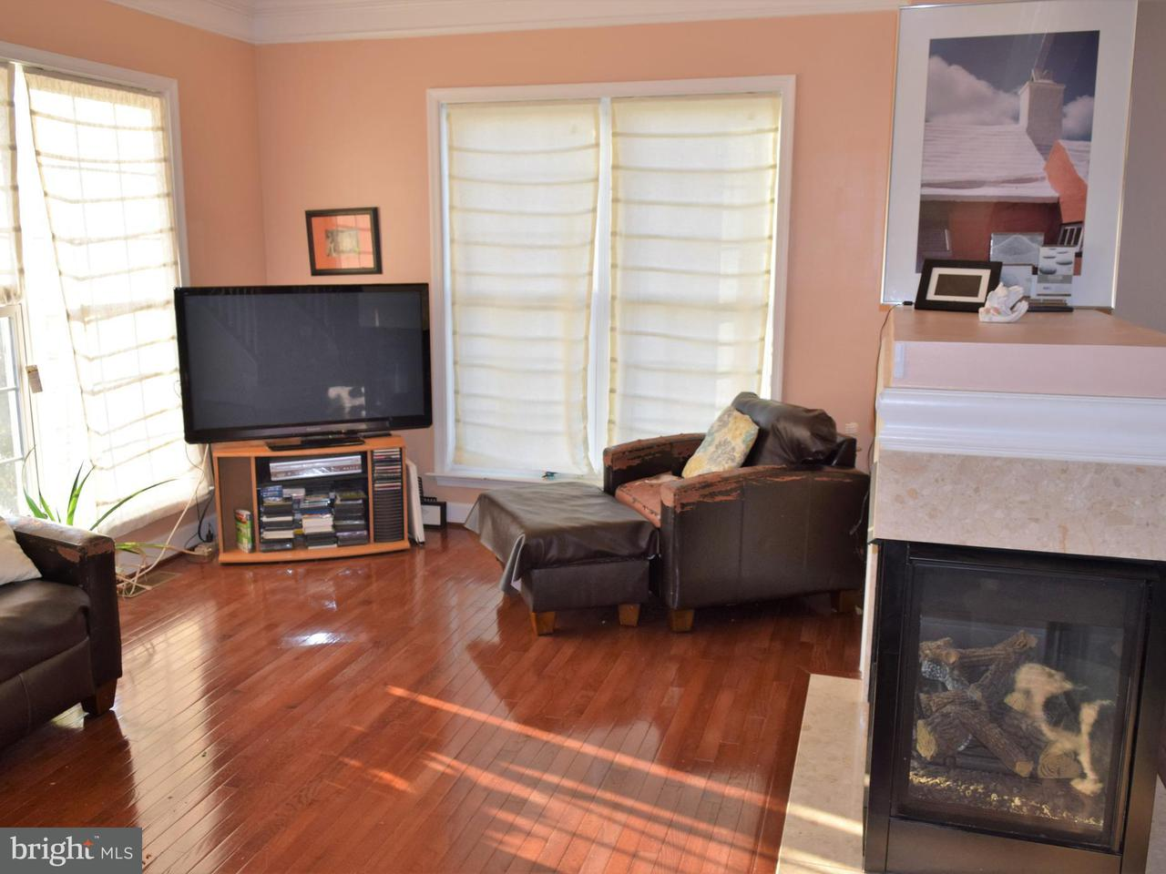 Additional photo for property listing at 3234 Robert Clifton Weaver Way Ne 3234 Robert Clifton Weaver Way Ne Washington, District Of Columbia 20018 Verenigde Staten