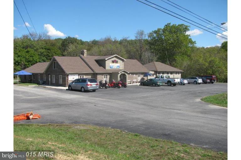 Commercial pour l Vente à 7536 MILLSTONE Road 7536 MILLSTONE Road Hancock, Maryland 21750 États-Unis