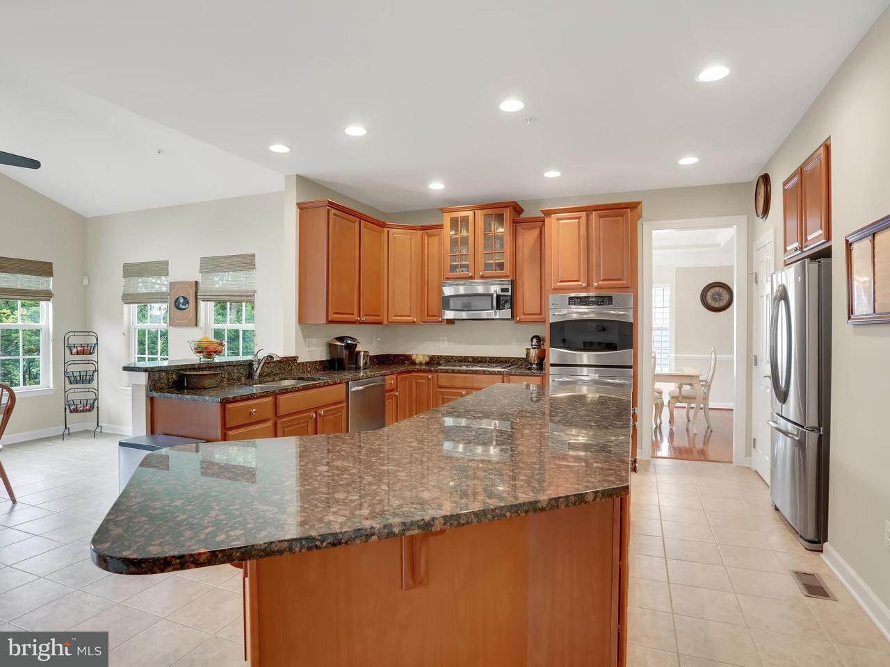 Частный односемейный дом для того Продажа на 1202 MOORE SPRING Court 1202 MOORE SPRING Court Brunswick, Мэриленд 21716 Соединенные Штаты