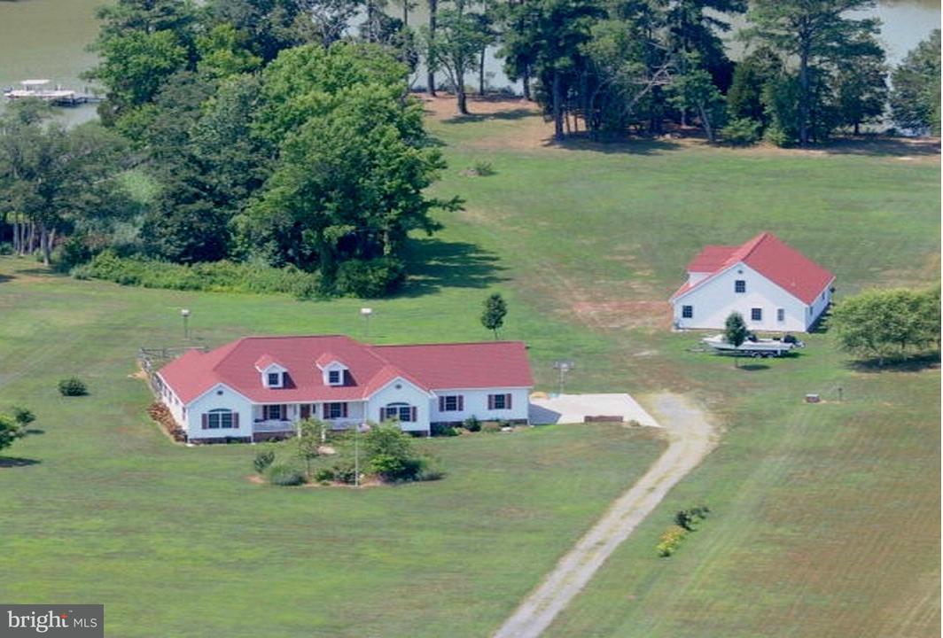 一戸建て のために 売買 アット 354 SAFE HARBOR LNDG 354 SAFE HARBOR LNDG Hague, バージニア 22469 アメリカ合衆国