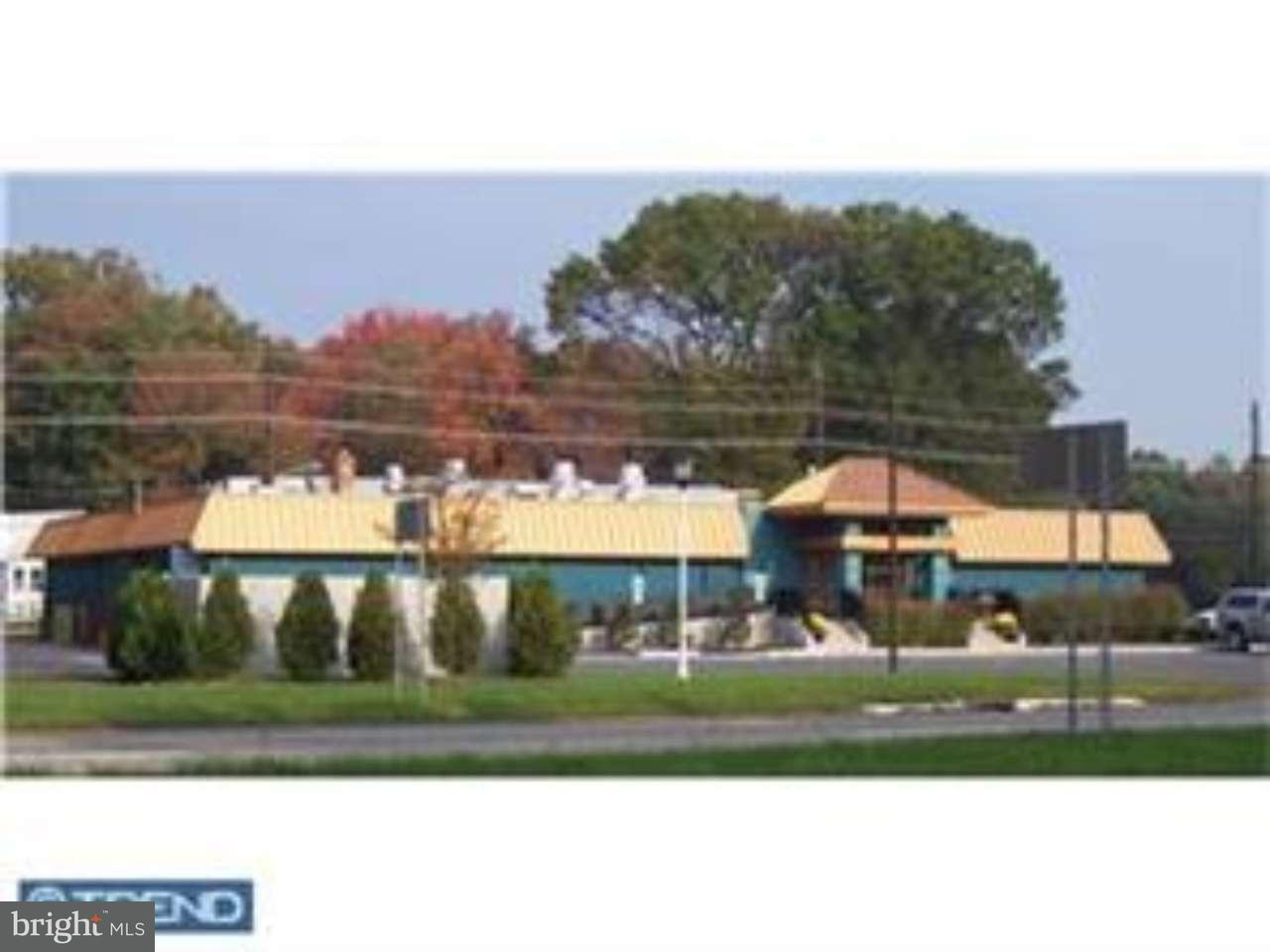 Частный односемейный дом для того Продажа на 429 ROUTE 156 Hamilton Township, Нью-Джерси 08620 Соединенные ШтатыВ/Около: Hamilton Township