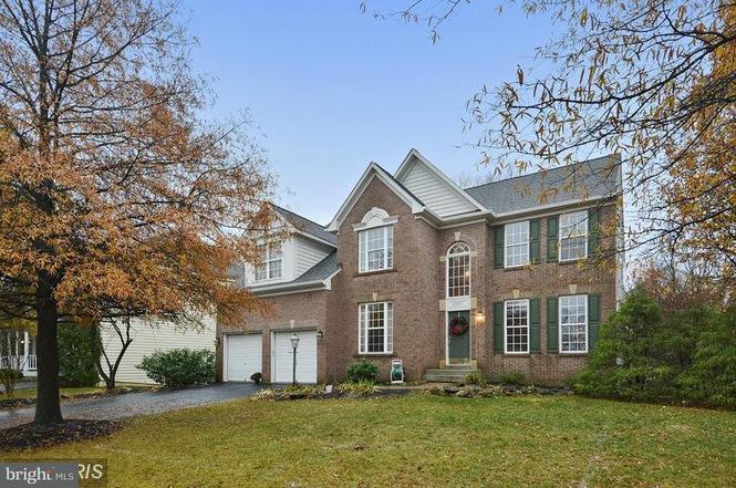 Single Family Home for Sale at 42921 ELLZEY Drive 42921 ELLZEY Drive Broadlands, Virginia 20148 United States