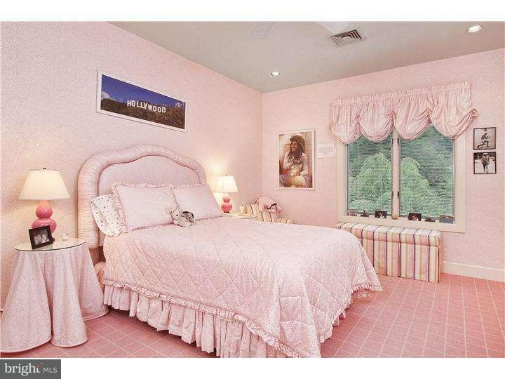 Additional photo for property listing at 875 COX Road  Moorestown, New Jersey 08057 États-Unis