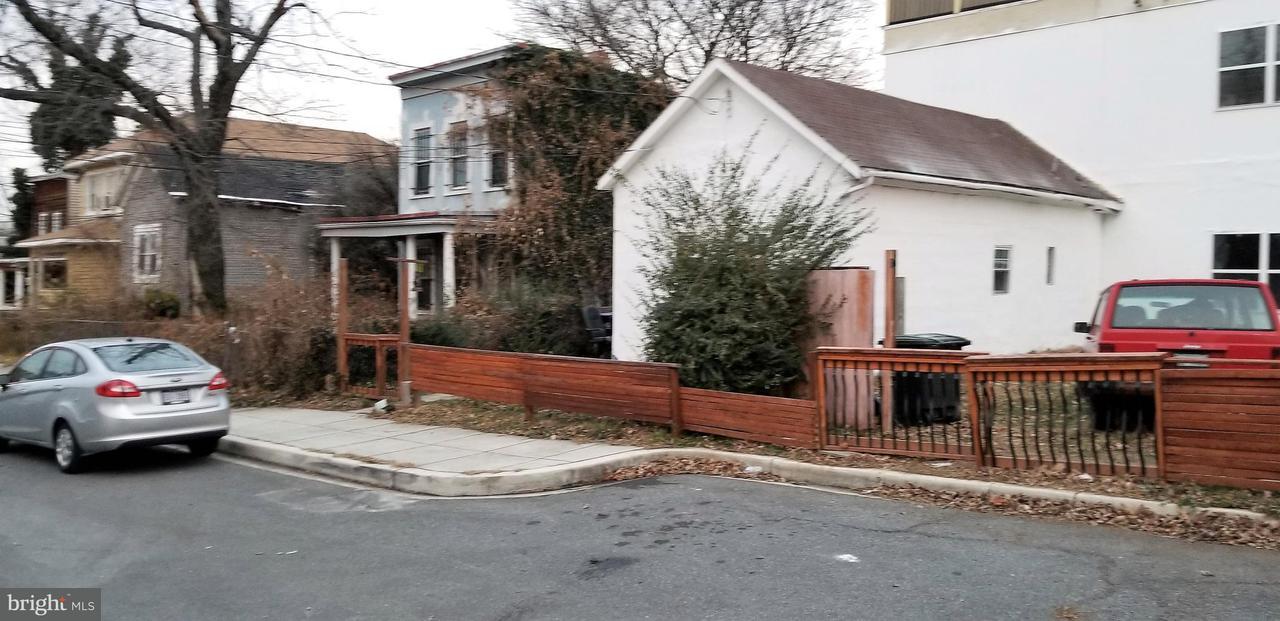 Additional photo for property listing at 4427 Kane Pl NE  Washington, District Of Columbia 20019 United States