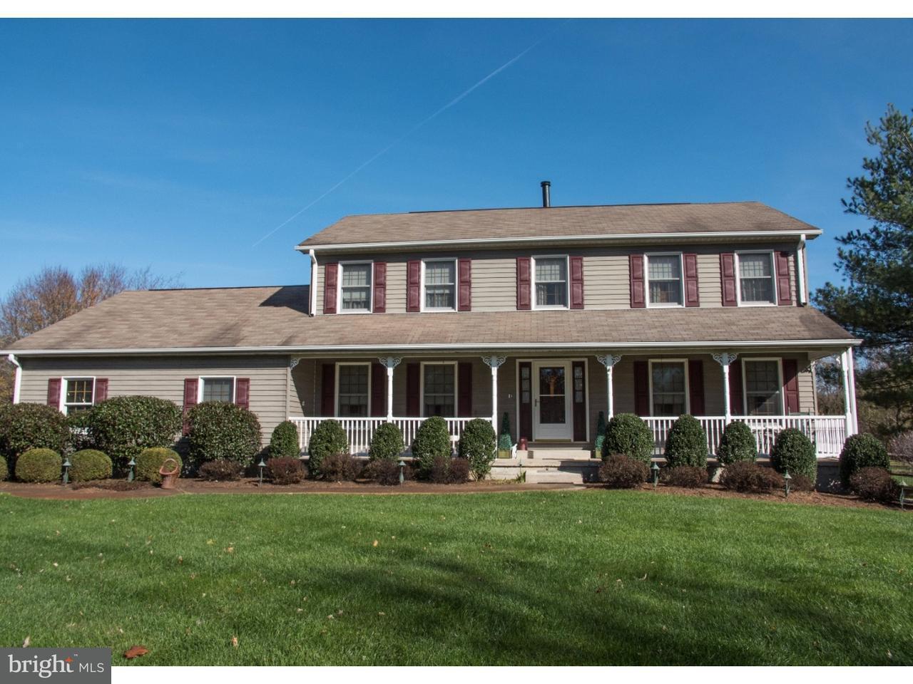 Maison unifamiliale pour l Vente à 1 COUNTRY WAY Lumberton, New Jersey 08048 États-Unis