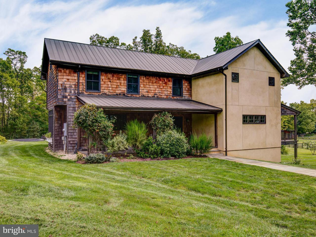 Частный односемейный дом для того Продажа на 162 GREENFIELDS Lane 162 GREENFIELDS Lane White Post, Виргиния 22663 Соединенные Штаты