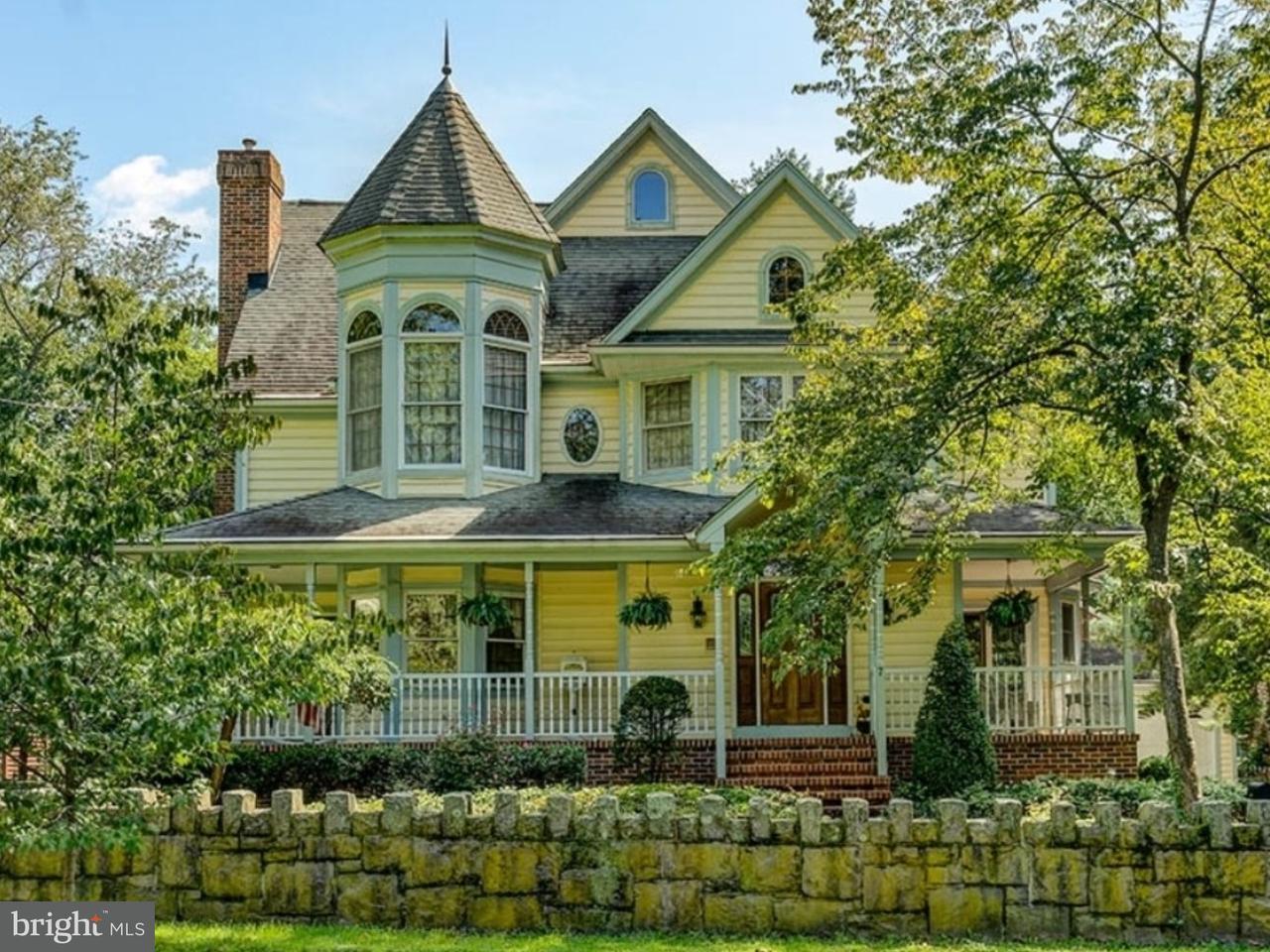 Maison unifamiliale pour l Vente à 7 S CLINTON Avenue Wenonah, New Jersey 08090 États-Unis