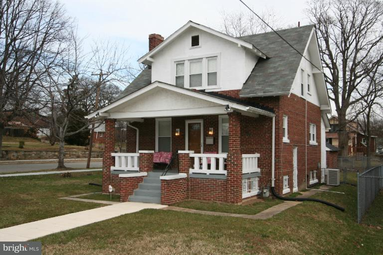 Single Family Home for Sale at 2604 32nd St Se 2604 32nd St Se Washington, District Of Columbia 20020 United States