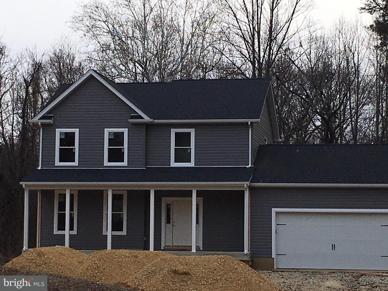 Maison unifamiliale pour l Vente à 1250 Coster Road 1250 Coster Road Lusby, Maryland 20657 États-Unis