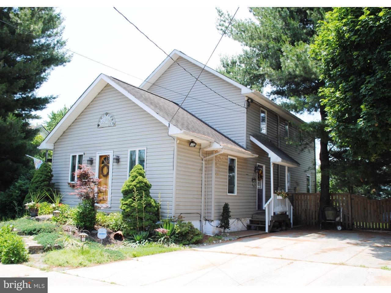 Maison unifamiliale pour l Vente à 101 LANSING Avenue Mercerville, New Jersey 08619 États-UnisDans/Autour: Hamilton Township