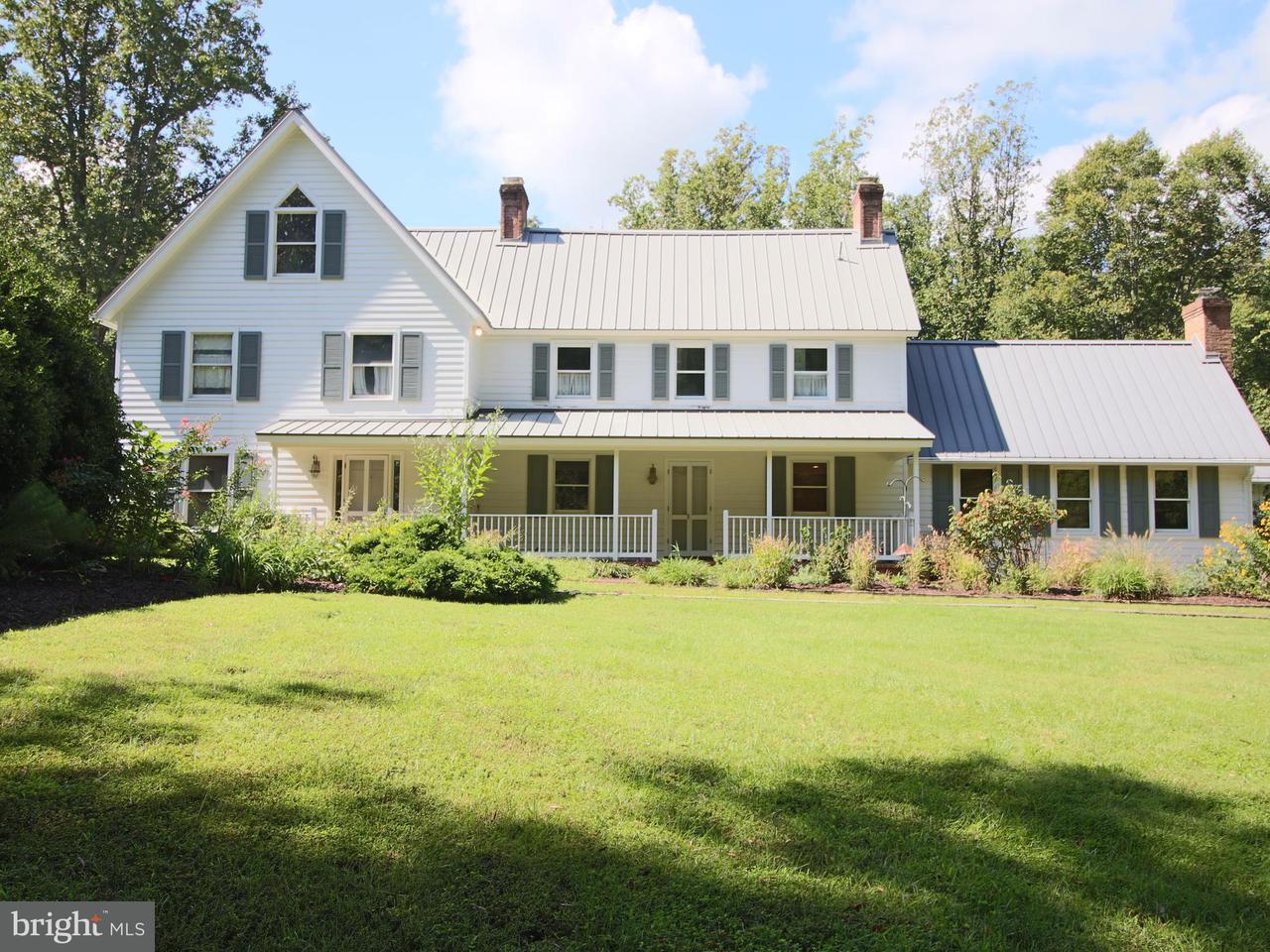 Casa Unifamiliar por un Venta en 220 LEITCH Road 220 LEITCH Road Tracys Landing, Maryland 20779 Estados Unidos