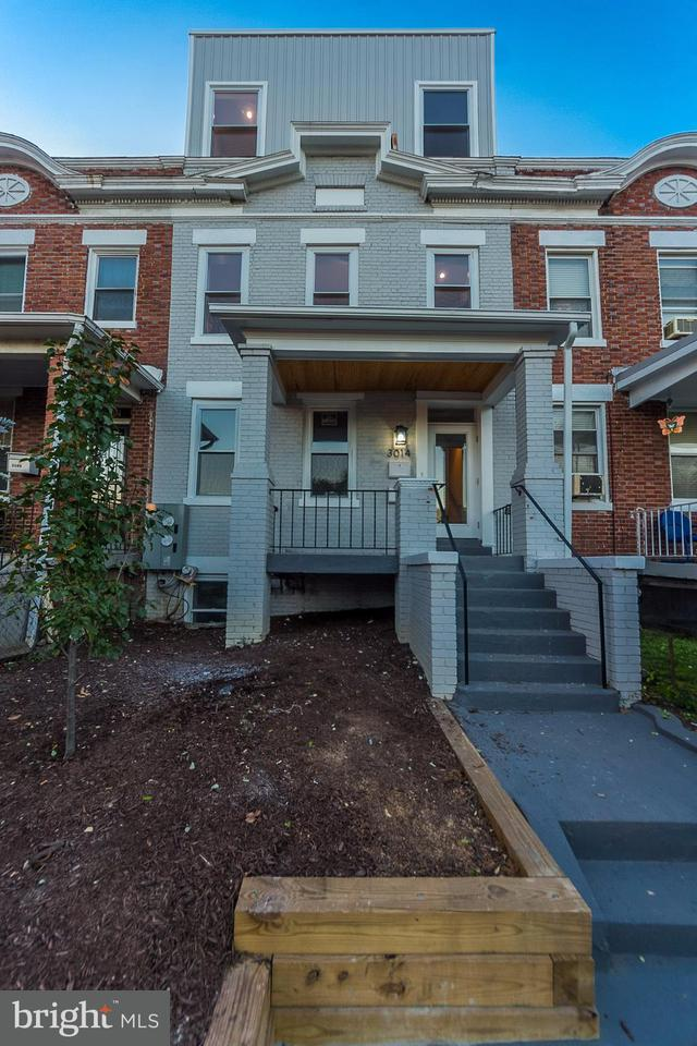 Duplex pour l Vente à 3014 SHERMAN AVE NW #2 3014 SHERMAN AVE NW #2 Washington, District De Columbia 20001 États-Unis