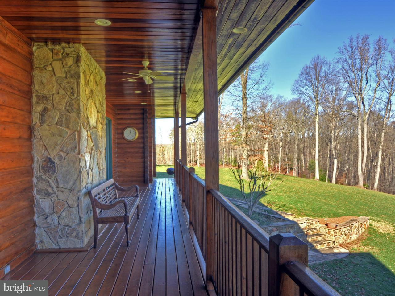 Additional photo for property listing at 912 MALLORYS FORD Road 912 MALLORYS FORD Road Louisa, Virginia 23093 Stati Uniti