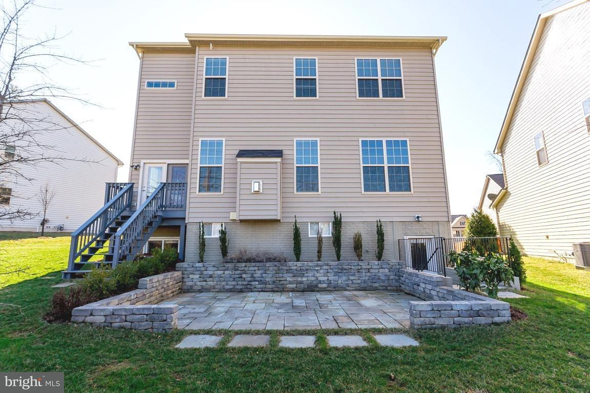 獨棟家庭住宅 為 出售 在 3035 MOORE Lane 3035 MOORE Lane Kensington, 馬里蘭州 20895 美國