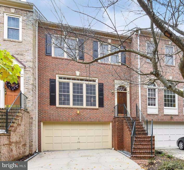 Townhouse for Sale at 2806 THAXTON Lane 2806 THAXTON Lane Oakton, Virginia 22124 United States