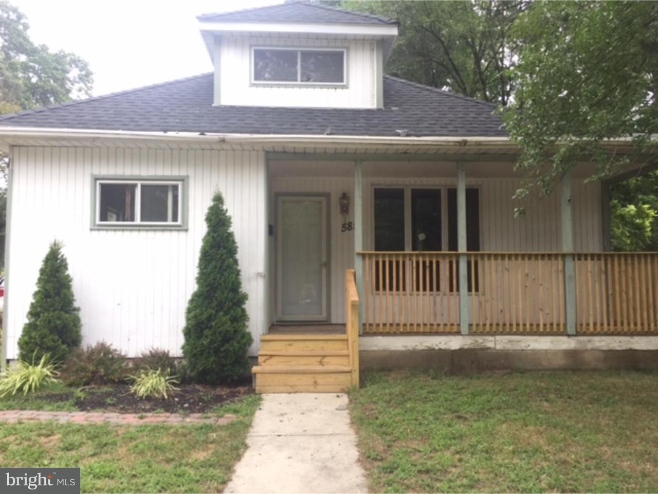 Частный односемейный дом для того Аренда на 585 BERLIN Road Clementon, Нью-Джерси 08021 Соединенные Штаты