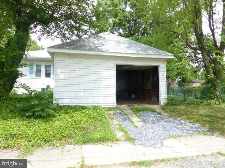Additional photo for property listing at 39 S HOOD Avenue  Audubon, New Jersey 08106 United States