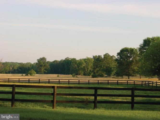 Terreno para Venda às 19830 RIDGESIDE Road 19830 RIDGESIDE Road Bluemont, Virginia 20135 Estados Unidos