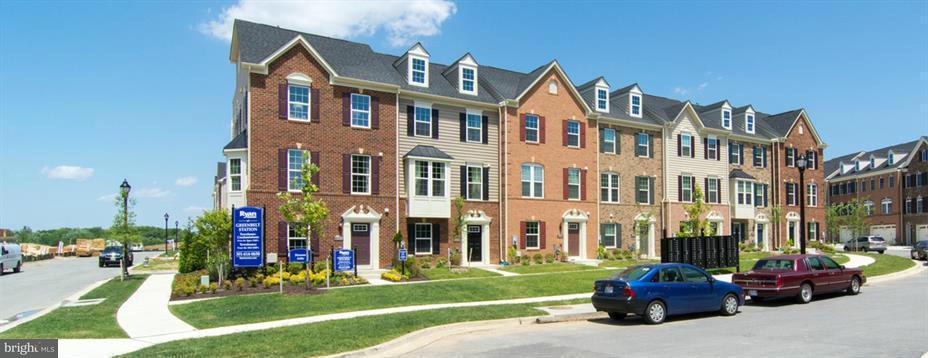 Maison accolée pour l Vente à 8106 MINER ST #707G 8106 MINER ST #707G Greenbelt, Maryland 20770 États-Unis