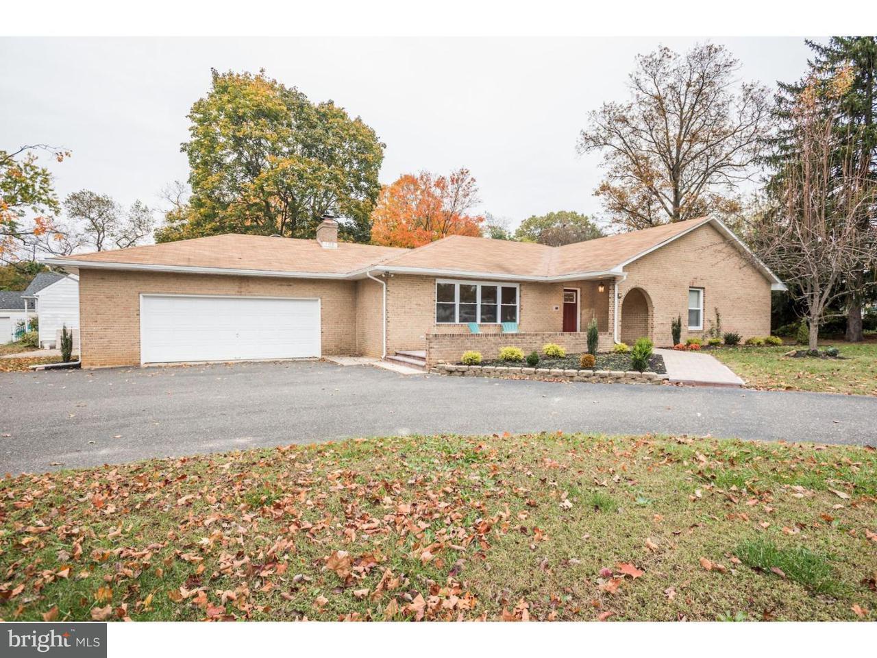 Частный односемейный дом для того Продажа на 500 MANOR Road Cinnaminson, Нью-Джерси 08077 Соединенные Штаты