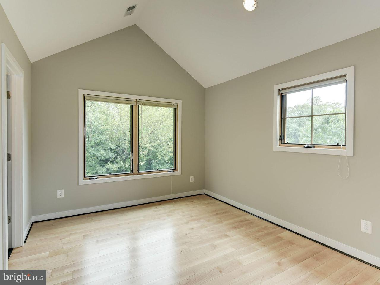 Additional photo for property listing at 314 Lee Street 314 Lee Street Falls Church, Virginia 22046 United States