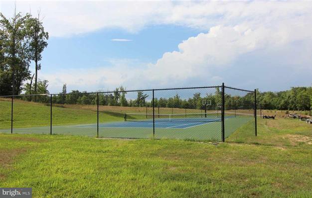 独户住宅 为 销售 在 21 OLIVE BRANCH Court 21 OLIVE BRANCH Court Bumpass, 弗吉尼亚州 23024 美国