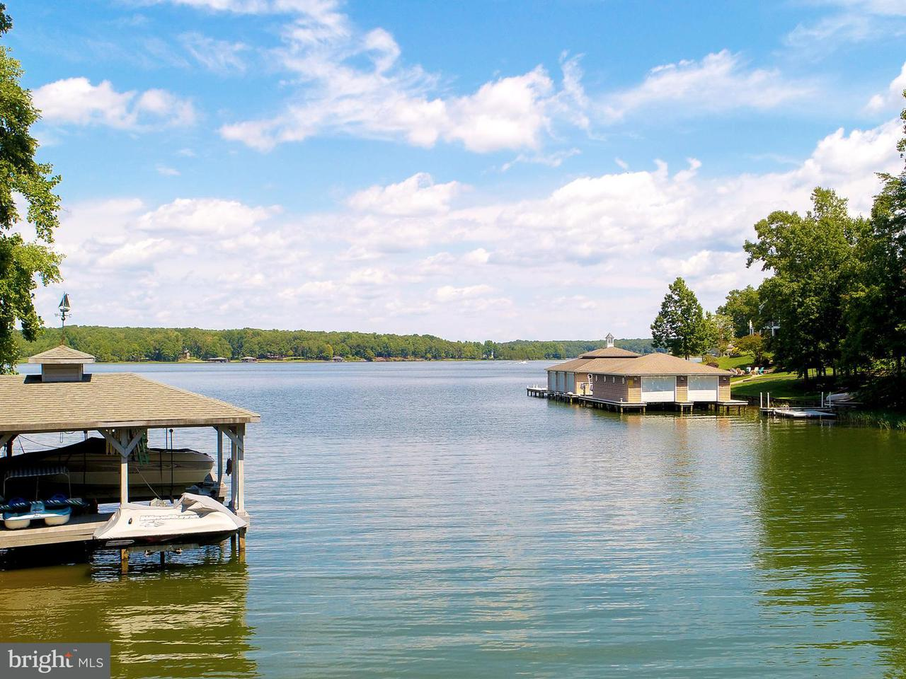 Additional photo for property listing at 142 Renfrew Circle 142 Renfrew Circle Mineral, Virginia 23117 États-Unis