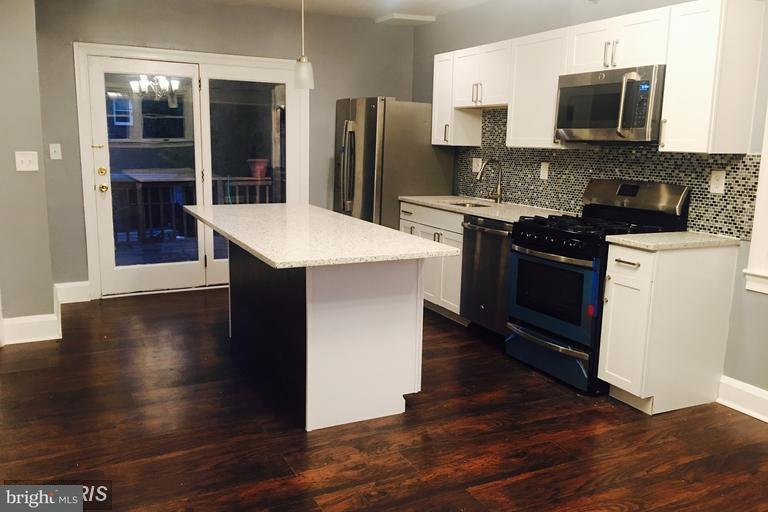Single Family for Sale at 412 N Bend Rd Baltimore, Maryland 21229 United States