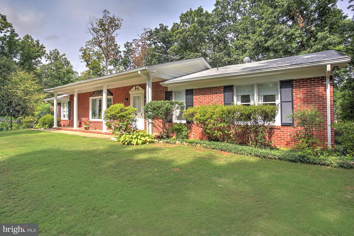 Single Family Home for Sale at 11185 GORDON HEIGHTS Road 11185 GORDON HEIGHTS Road Gordonsville, Virginia 22942 United States