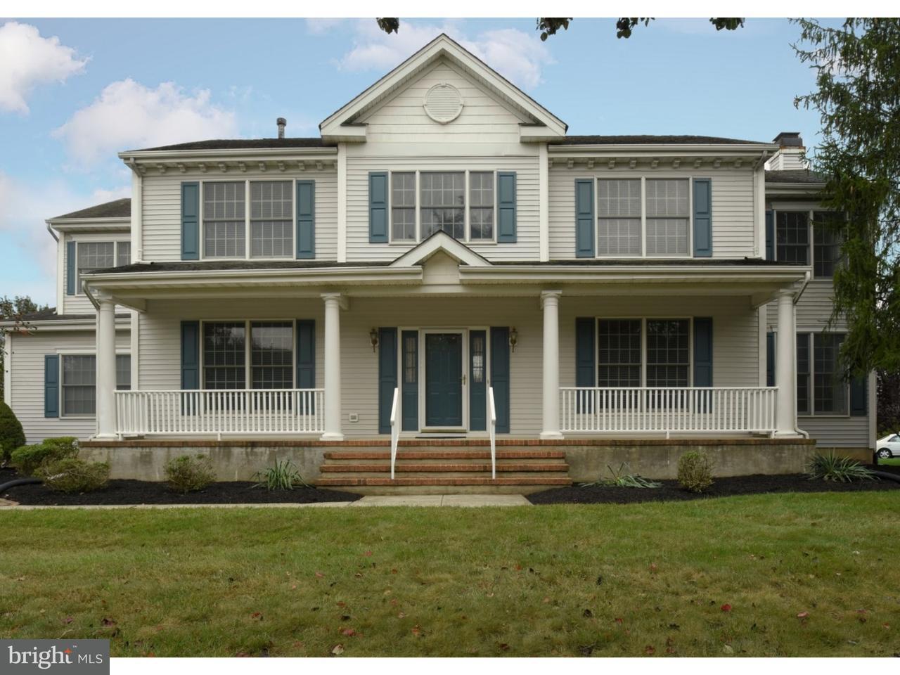 Частный односемейный дом для того Продажа на 4 PERRINE Lane Cranbury, Нью-Джерси 08512 Соединенные ШтатыВ/Около: Cranbury Township
