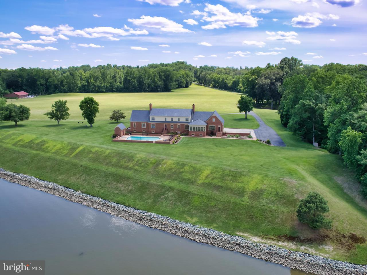Villa per Vendita alle ore 16207 Tidewater Trail 16207 Tidewater Trail Tappahannock, Virginia 22560 Stati Uniti
