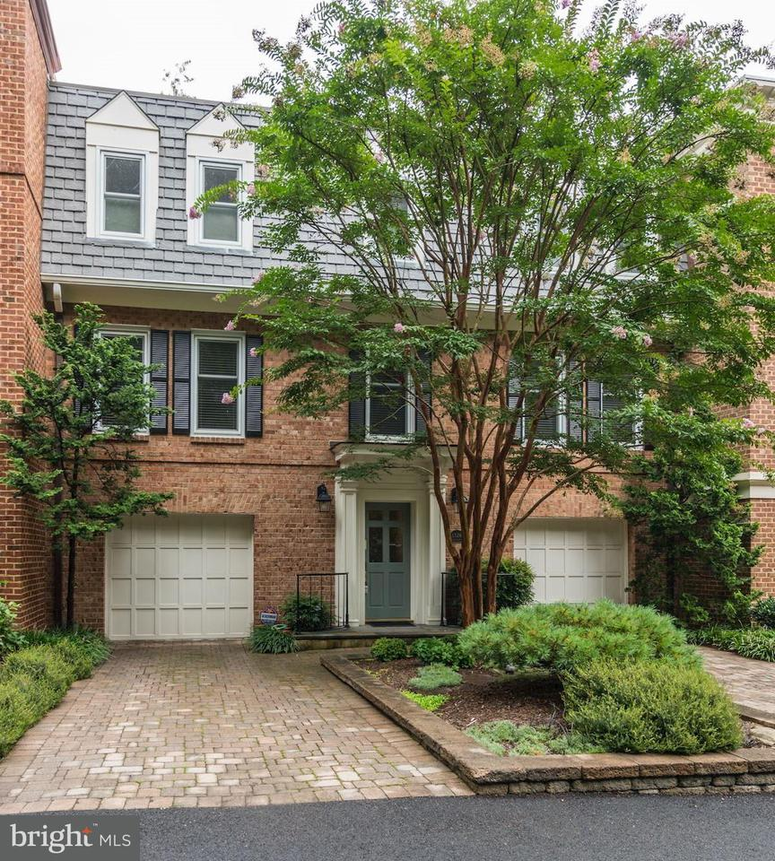 Townhouse for Sale at 1326 Skipwith Road 1326 Skipwith Road McLean, Virginia 22101 United States