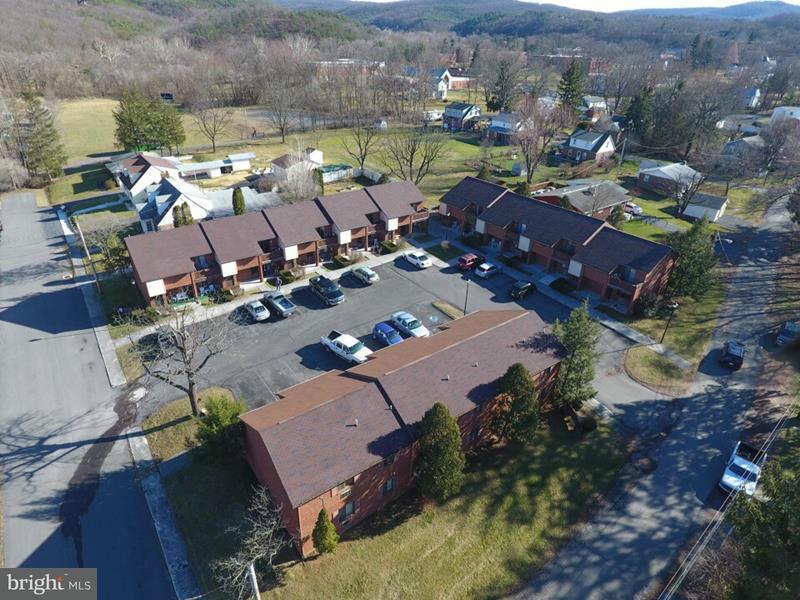 Mehrfamilienhaus für Verkauf beim 380 GRAFTON STREET N 380 GRAFTON STREET N Romney, West Virginia 26757 Vereinigte Staaten