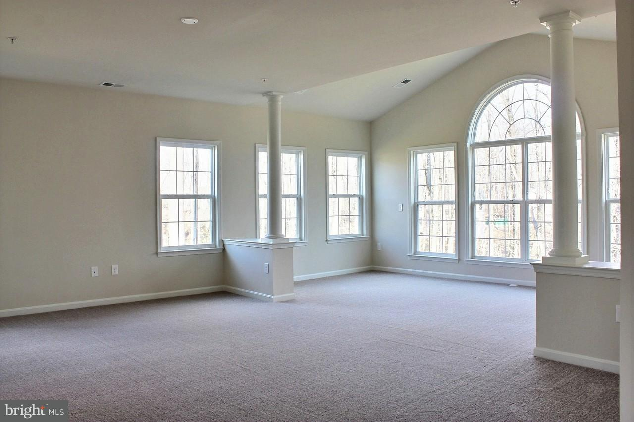 Additional photo for property listing at 15503 HIGH RIDGE Court 15503 HIGH RIDGE Court Aquasco, Maryland 20608 États-Unis