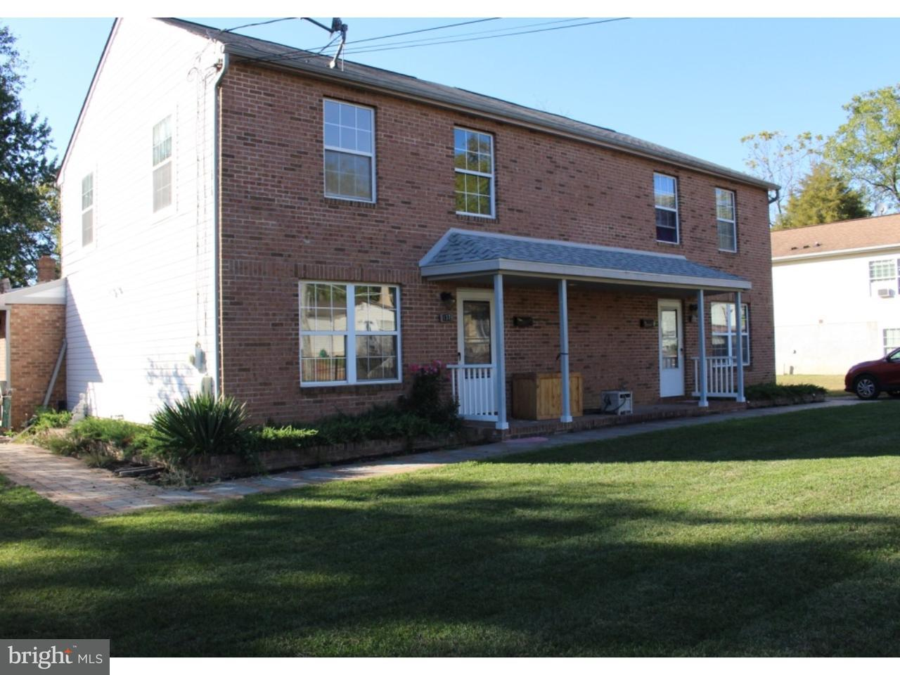 Duplex för Försäljning vid 137 S ACADEMY Street Glassboro, New Jersey 08028 Usa