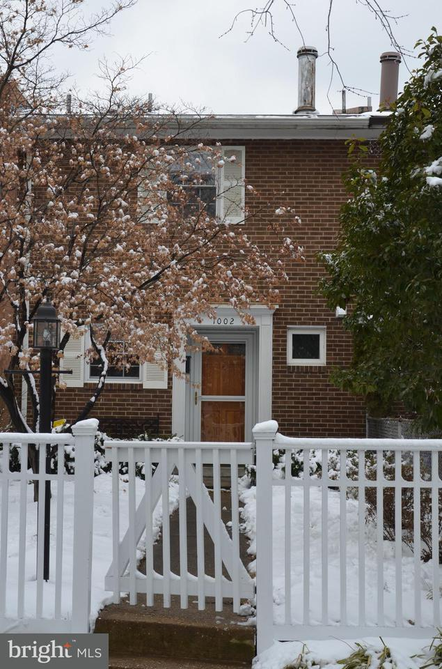 Other Residential for Rent at 1002 Colonial Ave Alexandria, Virginia 22314 United States