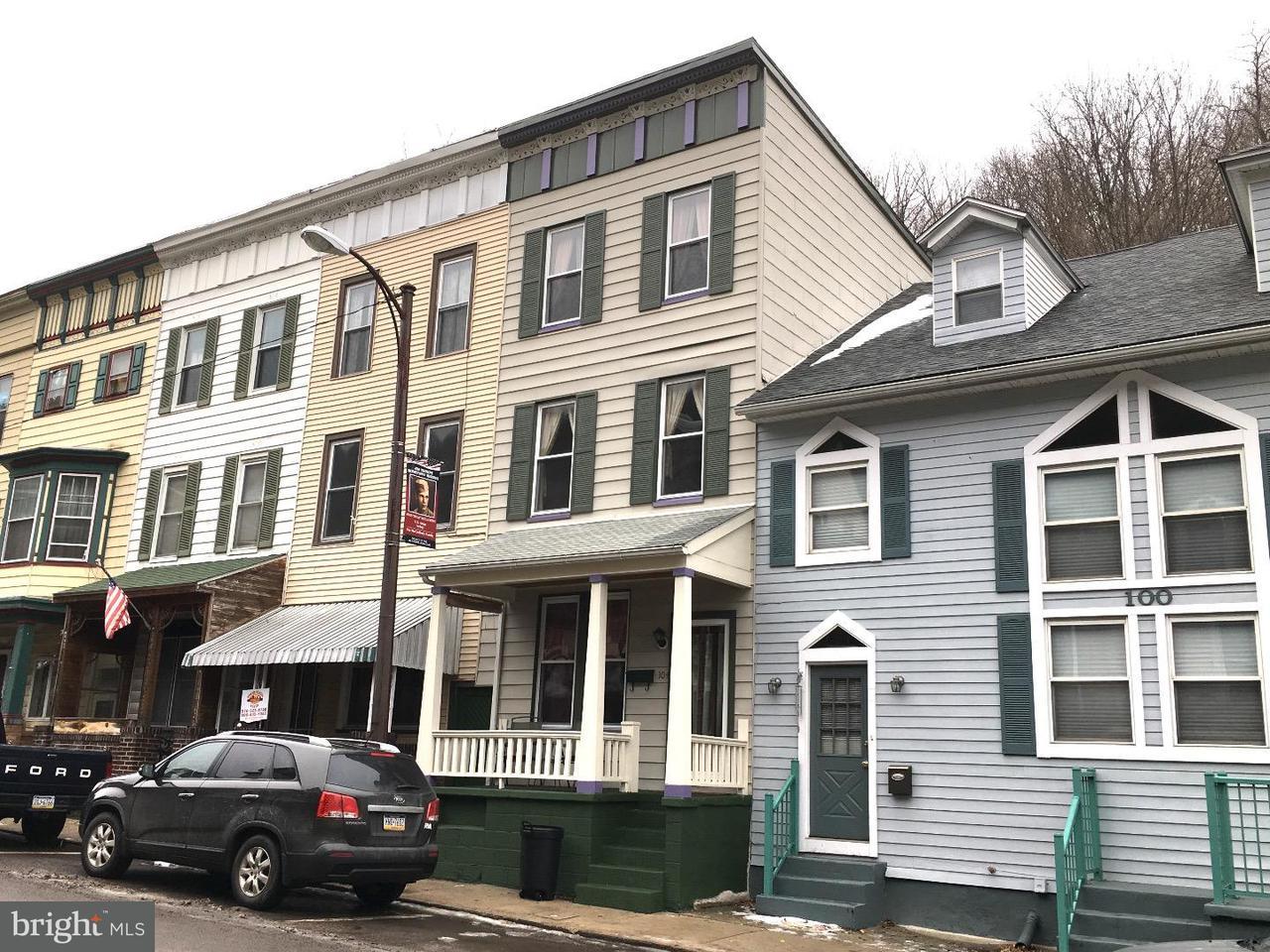 Casa unifamiliar adosada (Townhouse) por un Venta en 104 W BROADWAY Jim Thorpe, Pennsylvania 18229 Estados Unidos