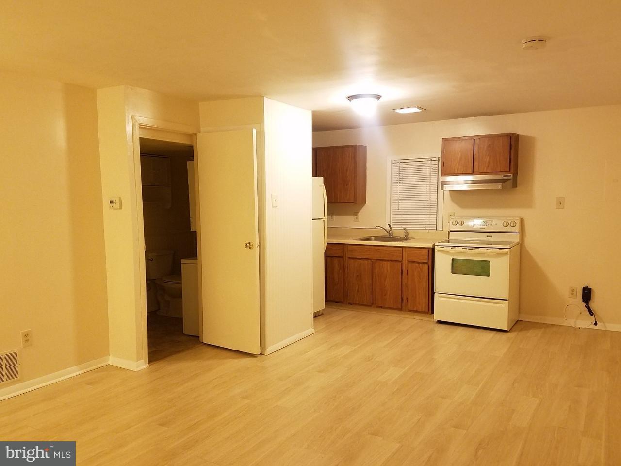 Casa Unifamiliar por un Alquiler en 141 W CENTER Street Clayton, Nueva Jersey 08312 Estados Unidos