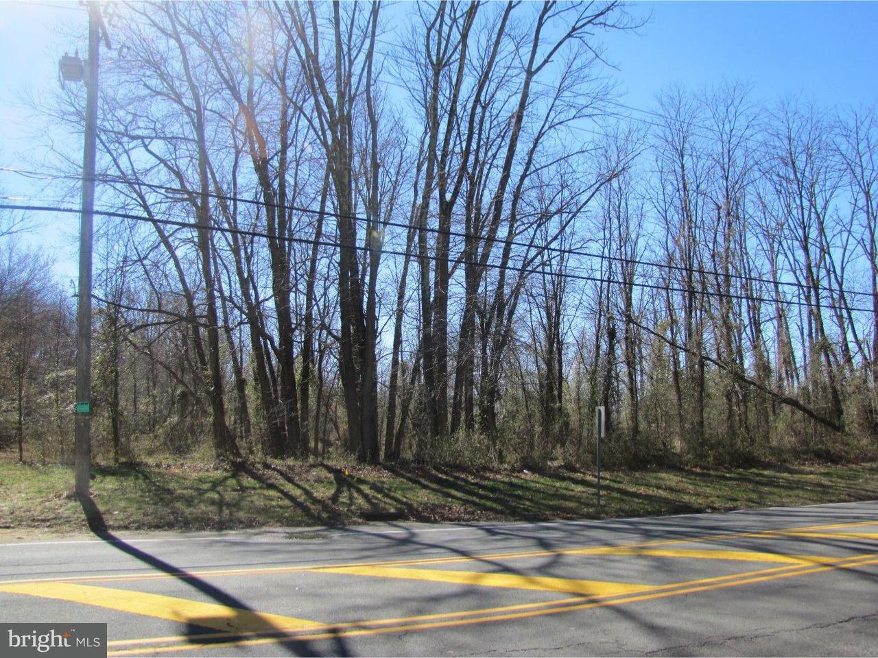 Частный односемейный дом для того Продажа на 231 VILLAGE RD E Princeton Junction, Нью-Джерси 08550 Соединенные ШтатыВ/Около: West Windsor Twp