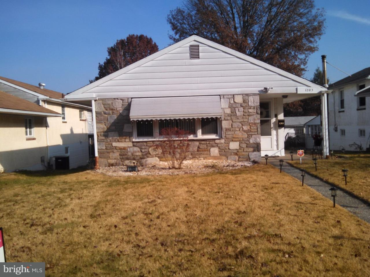 Частный односемейный дом для того Аренда на 1203 W ELM Street Norristown, Пенсильвания 19401 Соединенные Штаты