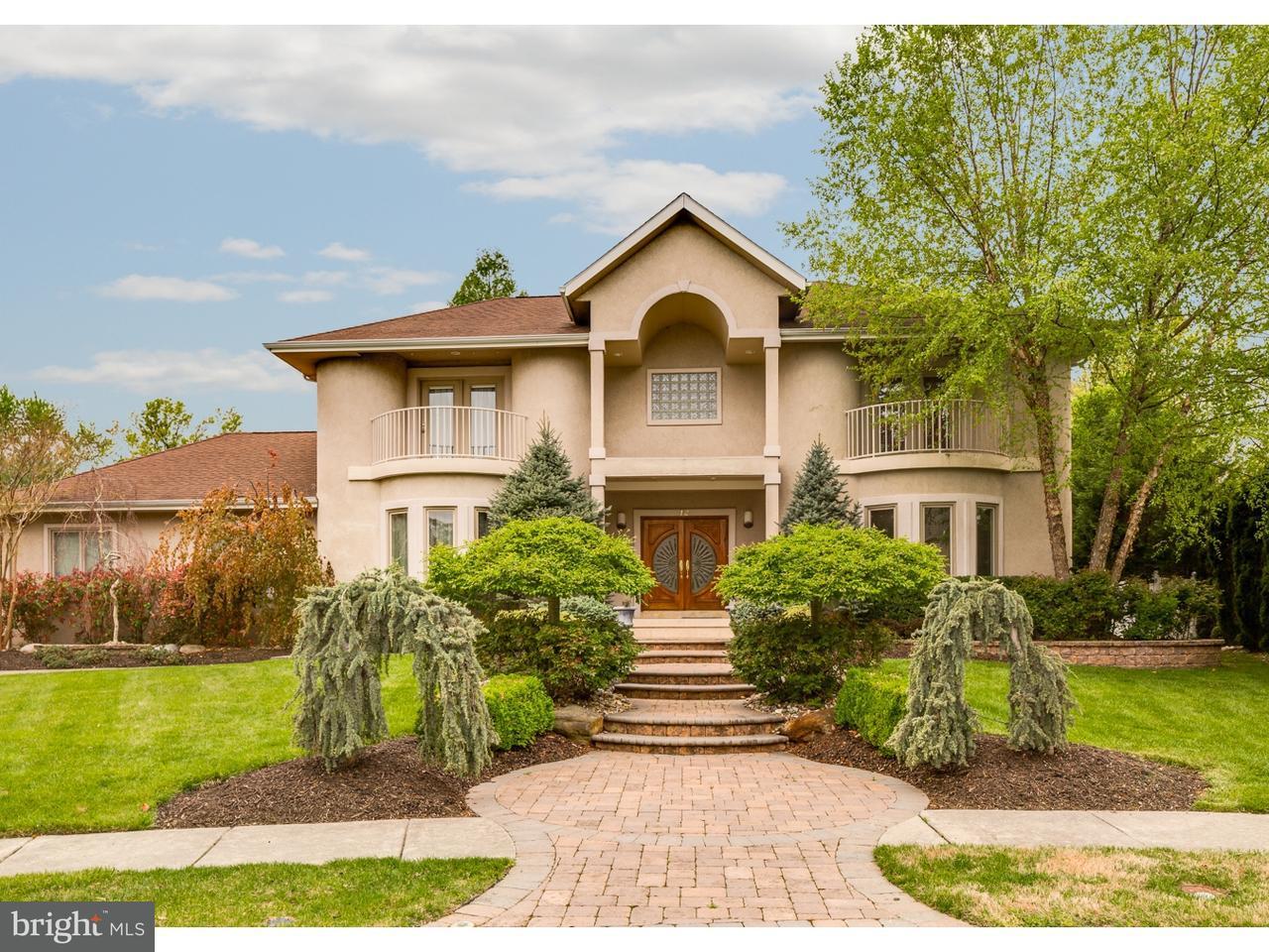 Maison unifamiliale pour l Vente à 12 CARRIAGE HOUSE Court Cherry Hill, New Jersey 08003 États-Unis