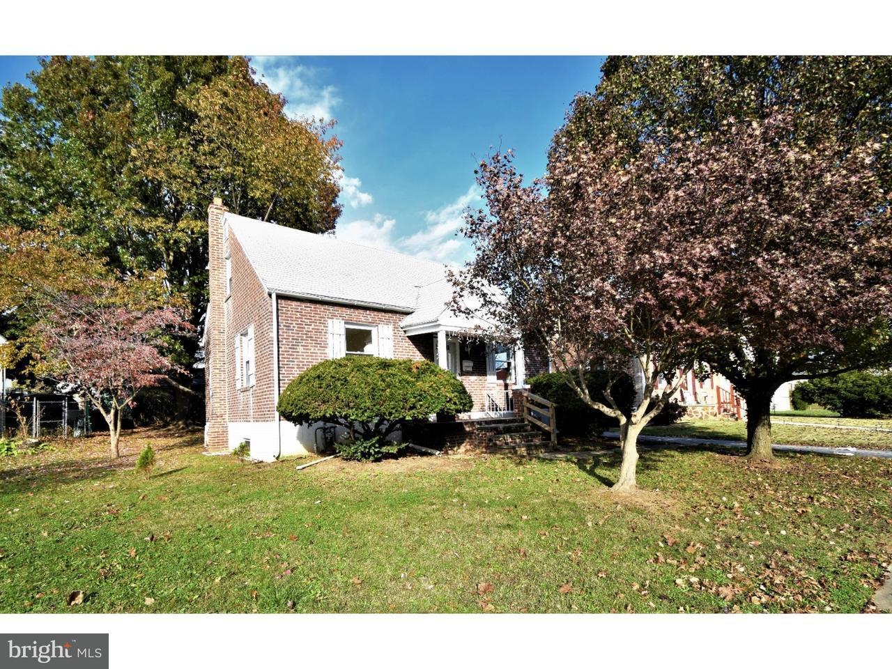 Casa Unifamiliar por un Venta en 1454 BURTON LN S Sharon Hill, Pennsylvania 19079 Estados Unidos