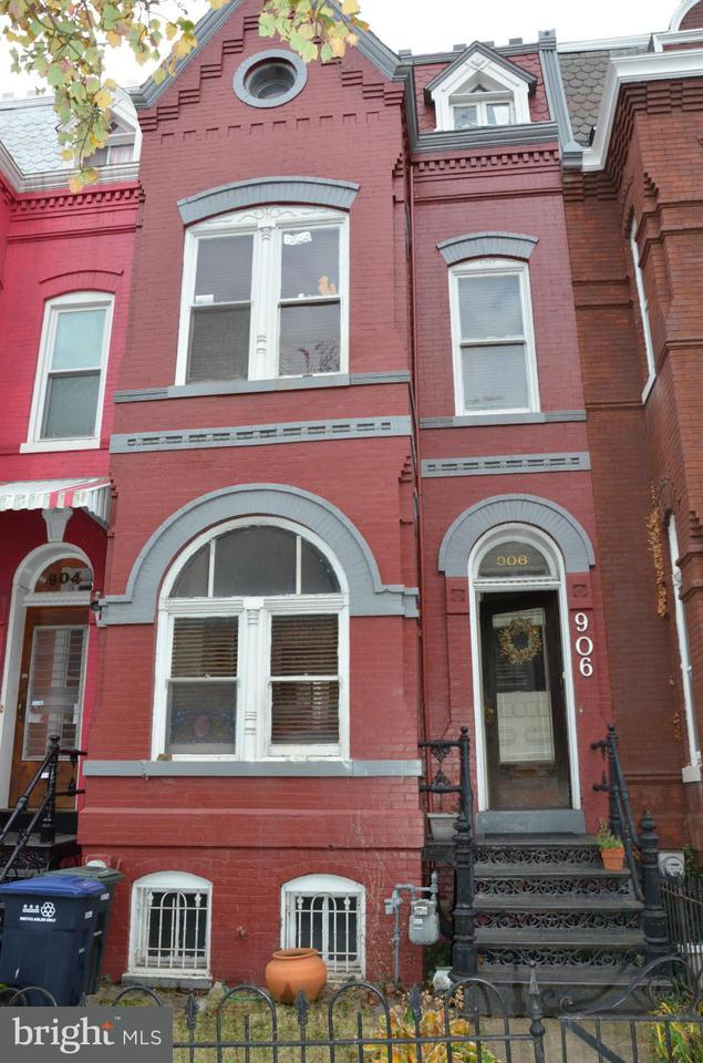 Townhouse for Sale at 906 S ST NW 906 S ST NW Washington, District Of Columbia 20001 United States