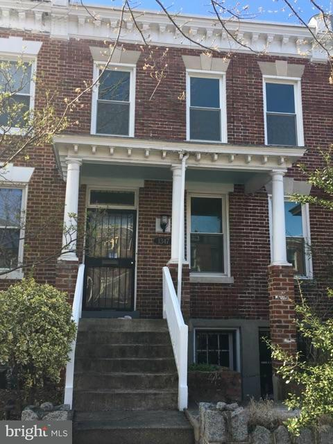 Herenhuis voor Verkoop een t 1347 G ST SE 1347 G ST SE Washington, District Of Columbia 20003 Verenigde Staten