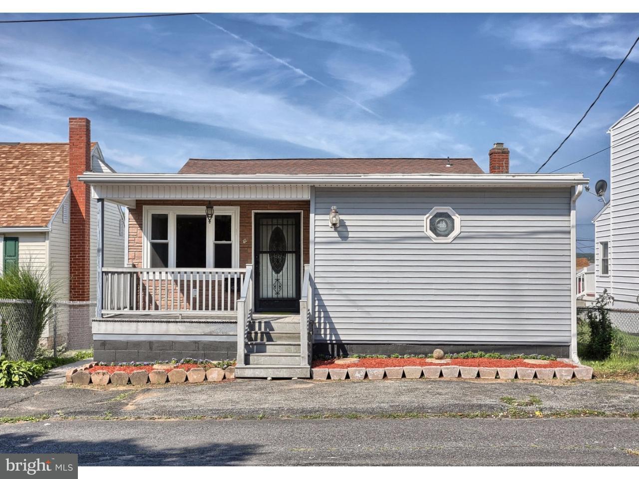 Maison unifamiliale pour l Vente à 144 S WYLAM Street Frackville, Pennsylvanie 17931 États-Unis