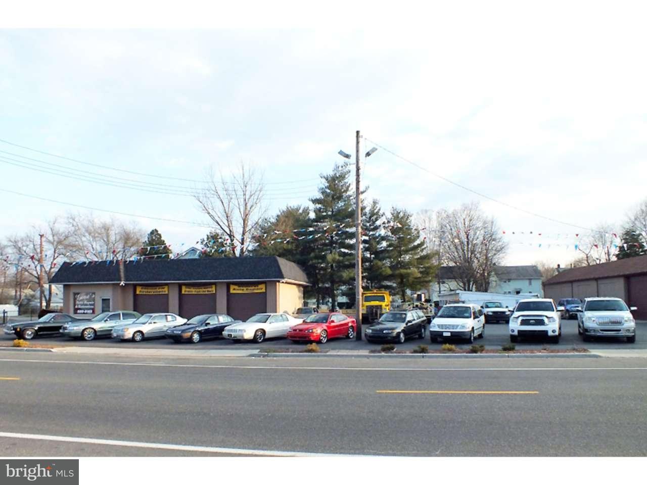 Частный односемейный дом для того Продажа на 400 W BROAD Street Paulsboro, Нью-Джерси 08066 Соединенные Штаты